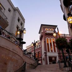"Walking in Beverly Hills • <a style=""font-size:0.8em;"" href=""http://www.flickr.com/photos/111317728@N08/11641713436/"" target=""_blank"">View on Flickr</a>"